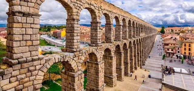 Renfe ofrece una escapada a Segovia en el tren turístico Antonio Machado
