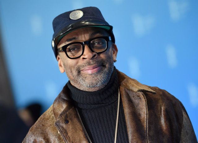 """Archivo - FILED - 16 February 2016, Berlin: US director and Spike Lee attends the presentation of the film """"Chi-Raq"""" at the Berlinale. Lee is to head the jury at this year's Cannes Film Festival, organizers announced on Tuesday. Photo: Britta Pedersen/zb/"""