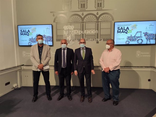 Presentación de Salamaq con la presencia de Julián Barrera, Jesús María Ortiz, Javier Iglesias y Marcelino Cordero, de izquierda a derecha, en La Salina.