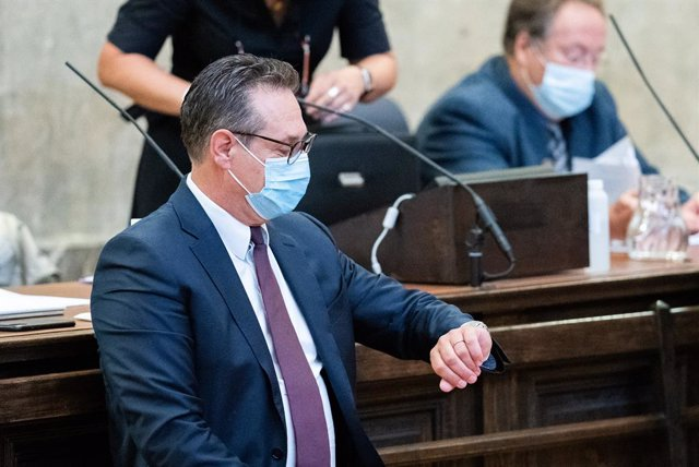 27 August 2021, Austria, Vienna: Heinz-Christian Strache, former Vice-Chancellor of Austria, attends a hearing at the Vienna Regional Court where he stands trial over charges of corruption in the course of the Ibiza Affair. Photo: Georg Hochmuth/APA/dpa