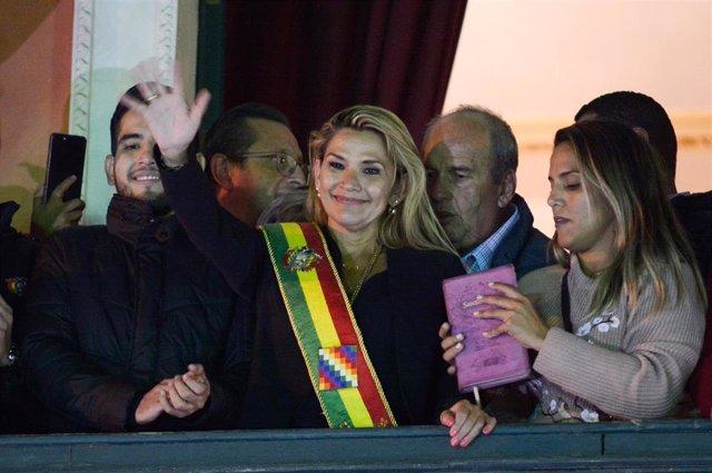 La expresidenta boliviana Jeanine Áñez en una fotografía de archivo de su toma de posesión.