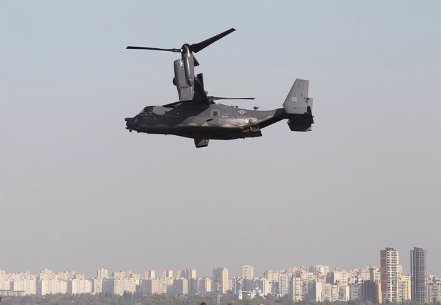 Archivo - 23 September 2020, Ukraine, Kiev: A US CV-22B Osprey tilt-rotor aircrafts flies over Kiev as part of air drills. CV-22B Osprey aircrafts participate in US-Ukrainian military exercises of the Fiction Urchin Special Operations Forces. Photo: Serg