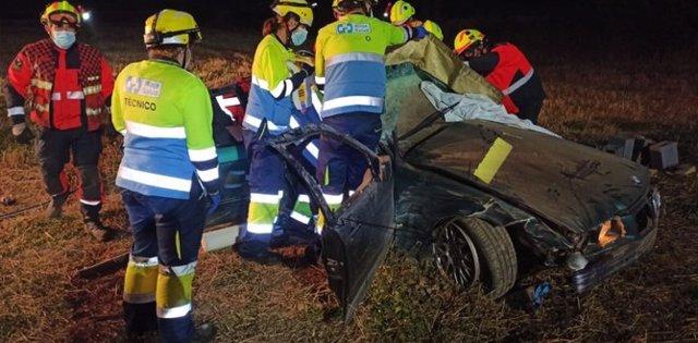 Servicios de Emergencia asisten en el accidente mortal de Santurdejo