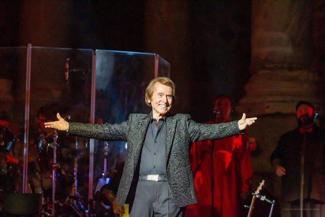 Rafael, en el teatro romano de Mérida, en el concierto que inicia la sexta edición del Stone&Music.