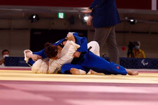 Marta Arce durante uno de sus combates en la categoría de -63 kilos de los Juegos Paralímpicos de Tokio