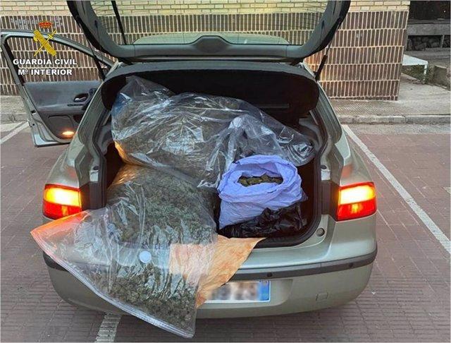 Imagen de archivo de marihuana intervenida en un vehículo