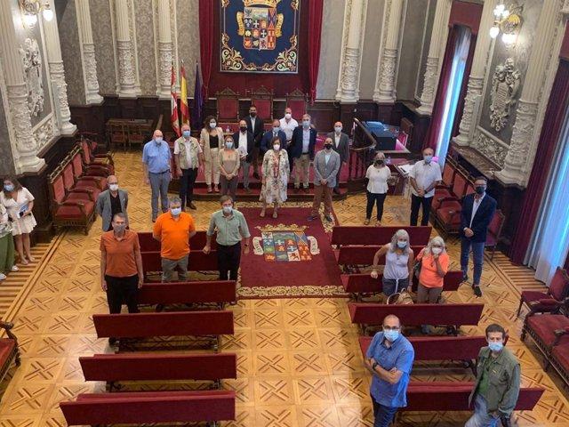 El concejal de Patrimonio y Centro Histórico del Ayuntamiento de Logroño, Adrián Calonge, ha participado en el acto de recepción deI II Encuentro Internacional de Asociaciones de Amigos del Camino de Santiago