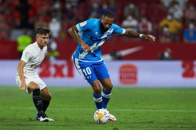 """Tiago Manuel Dias """"Bebe"""", del Rayo Vallecano, en el partido de la primera jornada ante el Sevilla FC"""