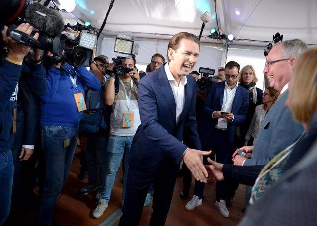28 August 2021, Austria, St. Poelten: Austrian Chancellor Sebastian Kurz arrives for the 39th ordinary federal party congress of the Austrian People's Party (OeVP). Photo: Herbert Pfarrhofer/APA/dpa