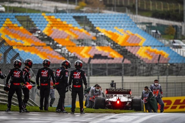Archivo - MAGNUSSEN Kevin (dnk), Haas F1 Team VF-20 Ferrari, action stopping at the end of the pitlane due to a pitstop problem during the Formula 1 DHL Turkish Grand Prix 2020, from November 13 to 15, 2020 on the Intercity Istanbul Park, in Tuzla, near I