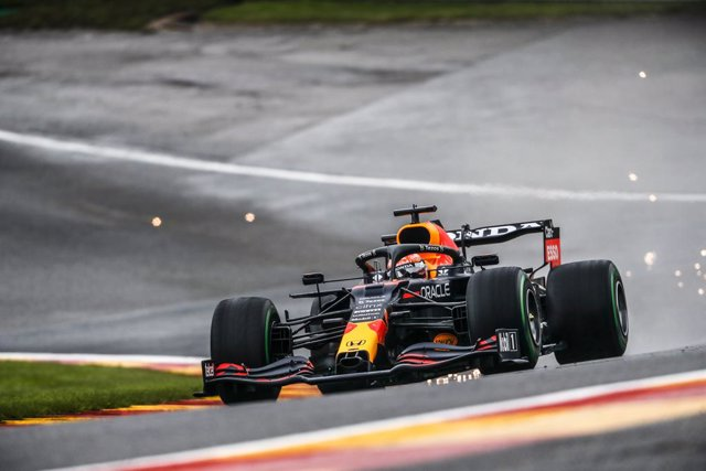 33 VERSTAPPEN Max (nld), Red Bull Racing Honda RB16B, action during the Formula 1 Belgium Grand Prix, 12th round of the 2021 FIA Formula One World Championship from August 27 to 29, 2021 on the Circuit de Spa-Francorchamps, in Stavelot, near Liège, Belgiu