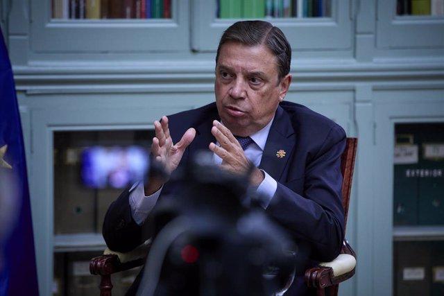 El ministre d'Agricultura, Pesca i Alimentació, Luis Planas, durant una entrevista per a Europa Press, a la seu del ministeri