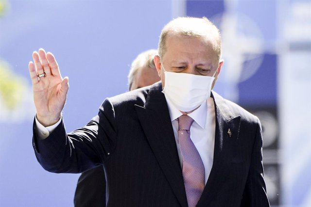 Archivo - 14 June 2021, Belgium, Brussels: Turkish President Recep Tayyip Erdogan arrives for The North Atlantic Treaty Organization (NATO) Summit. Photo: Frederic Sierakowski/BELGA/dpa