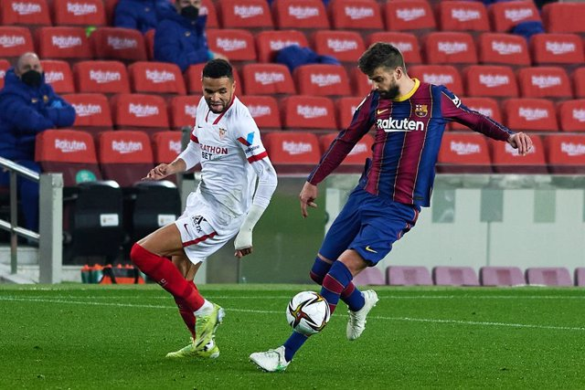 Archivo - 03 March 2021, Spain, Barcelona: Barcelona's Gerard Pique in action during the Spanish Copa del Rey (King's Cup) semi-final 2nd leg soccer match between FC Barcelona and Sevilla FC at Camp Nou. Photo: Gerard Franco/DAX via ZUMA Wire/dpa