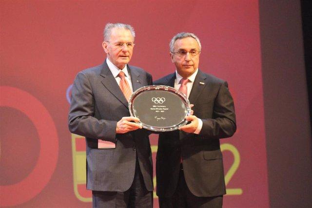 Archivo - Jacques Rogge y Alejandro Blanco Centenario del COE