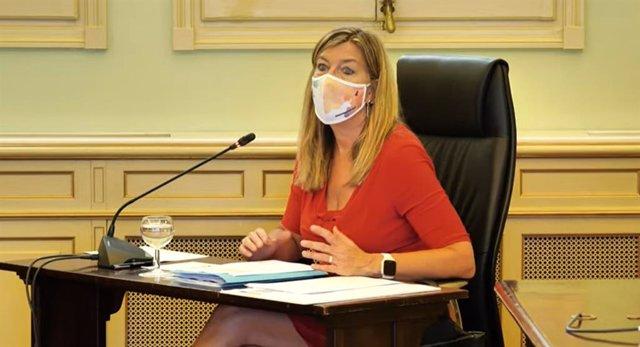 Archivo - La consellera de Salud y Consumo, Patricia Gómez, durante una comisión parlamentaria.