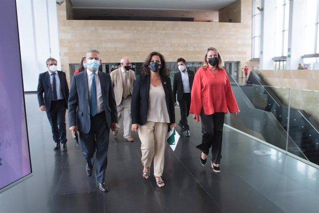 El consejero de Hacienda y Administración Pública, Celso González González; la presidenta del Gobierno de La Rioja, Concha Andreu y la consejera de Agricultura, Ganadería, Mundo Rural, Territorio y Población, Eva Hita Lorite