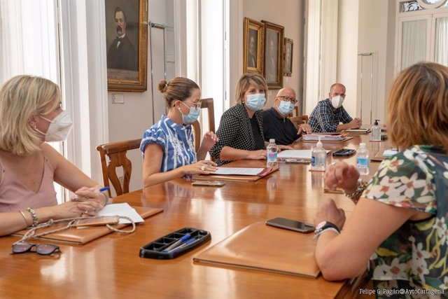 Reunión del Ayuntamiento de Cartagena con empresarios