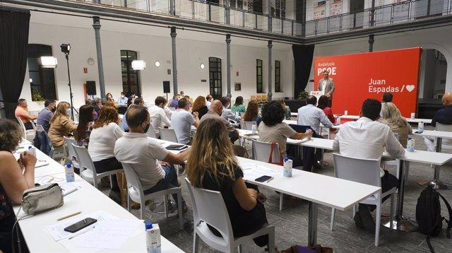 Archivo - Imagen de este lunes de la reunión de la Interparlamentaria del PSOE-A en Cádiz, presidida por el secretario general, Juan Espadas.