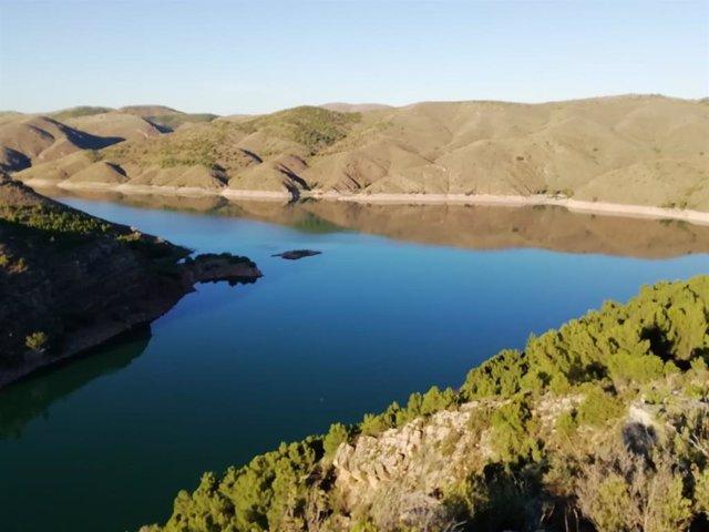 Archivo - Los embalses de la Cuenca del Ebro están al 55% de su capacidad