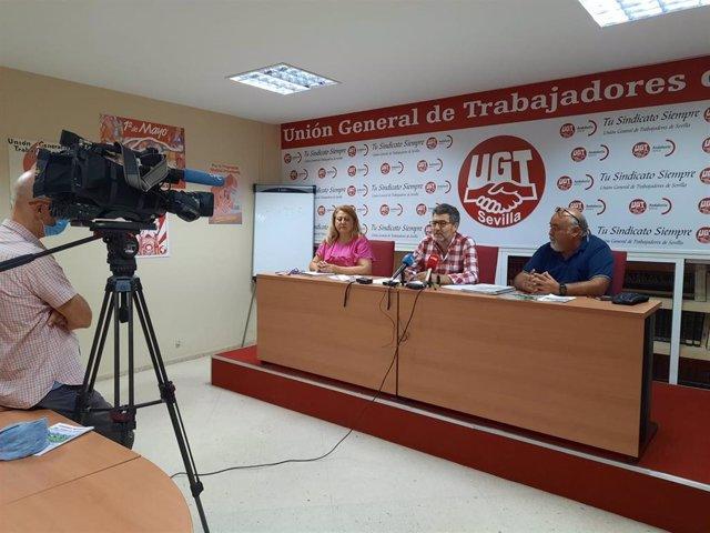Iglesias, Terrón y Coronel, en la rueda de prensa de presentación de la campaña del verdeo