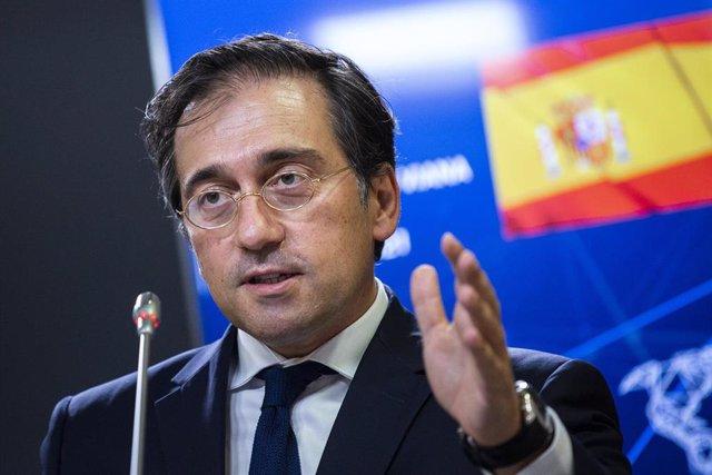 El Ministro de Asuntos Exteriores, Unión Europea y Cooperación, José Manuel Albares, en rueda de prensa, después de recibir al Ministro de Asuntos Exteriores de Eslovenia, Ane Logar, a 30 de agosto de 2021, en el Palacio de Viana, Madrid, (España). Duran