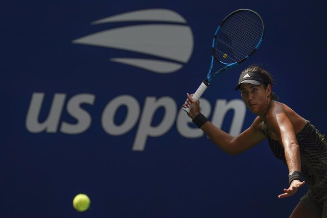 30 August 2021, US, New York: Spanish tennis player Garbine Muguruza in action against Croatian Donna Vekic during their women's singles first round tennis match of the US Open tennis championships. Photo: Seth Wenig/PA Wire/dpa