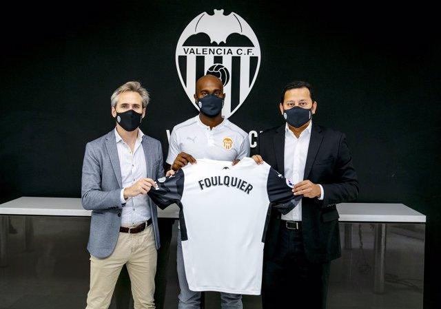El jugador de Guadalupe Dimitri Foulquier llega al Valencia CF procedente del Granada CF