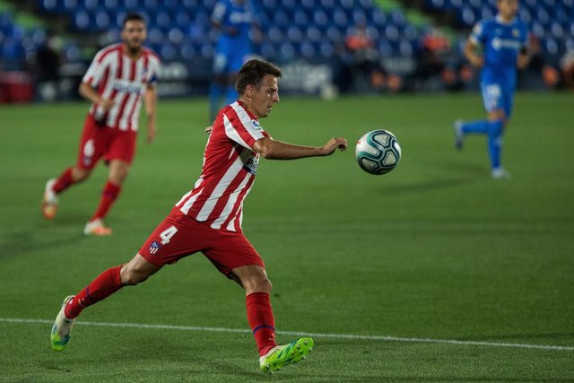 Archivo - Santiago Arias of Atletico Madrid during the spanish league, LaLiga, football match played between Getafe Club Futbol and Club Atletico de Madrid at Alfonso Perez Coliseum on July 16, 2020 in Madrid, Spain.