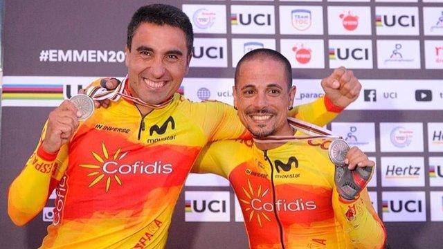 Archivo - Los ciclistas españoles Luis Miguel García-Marquina y Sergio Garrote.