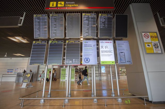 Archivo - Aeropuerto Adolfo-Suárez Madrid Barajas en Madrid (España).