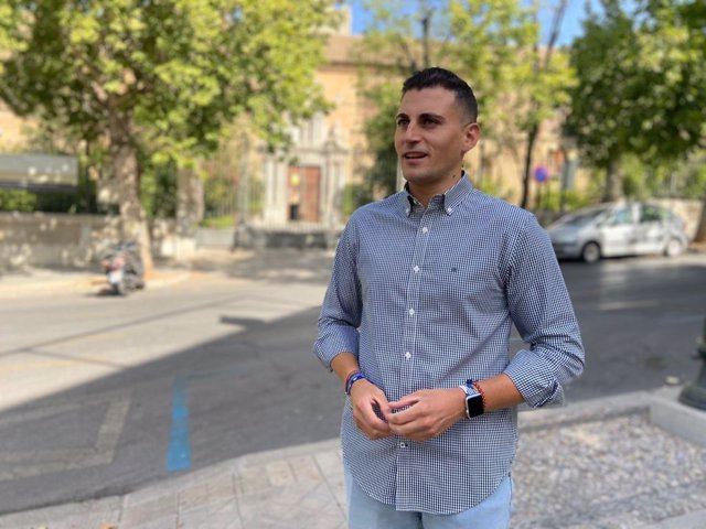 Granada.- El PP defiende que los universitarios pagan menos tasas con Moreno y resalta el trabajo de la UGR