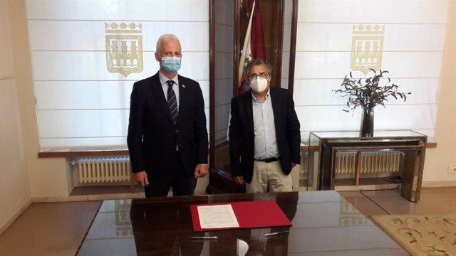 El alcalde de Logroño, Pablo Hermoso de Mendoza, y el consejero de Servicios Sociales y Gobernanza Pública, Pablo Rubio