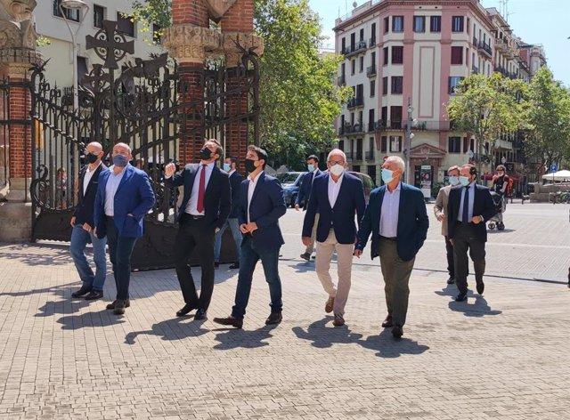 El president del PP, Pablo Casado, el líder del PP català, Alejandro Fernández, el portaveu del PP a l'Ajuntament de Barcelona, Josep Bou, i el president provincial del PP a Barcelona Manuel Reyes en un acte al recinte modernista de Sant Pau