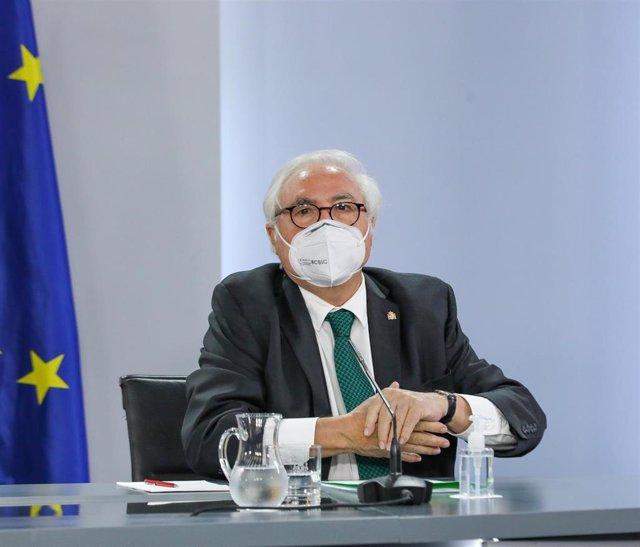 El ministro de Universidades, Manuel Castells, en una rueda de prensa posterior al Consejo de Ministros, a 31 de agosto de 2021, en Madrid, (España). Durante la comparecencia han confirmado, entre otras cuestiones, que van a aprobar la Reforma Laboral, la