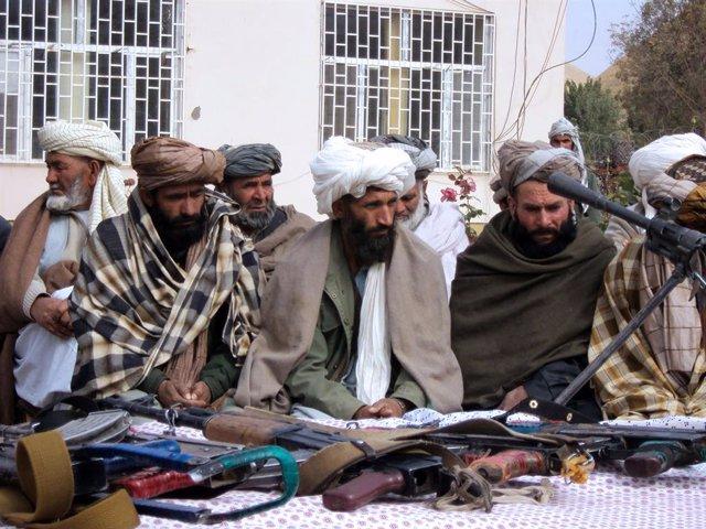 Archivo - Imagen de archivo de insurgentes talibán.
