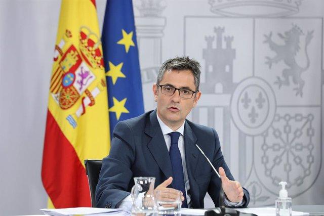 El ministro de la Presidencia, Relaciones con las Cortes y Memoria Democrática; Félix Bolaños, interviene en una rueda de prensa posterior al Consejo de Ministros, a 31 de agosto de 2021, en Madrid, (España). Durante la comparecencia han confirmado, entre