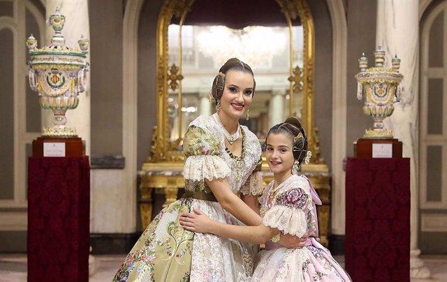 Las Falleras Mayores de València, Consuelo Llobell y Carla García.