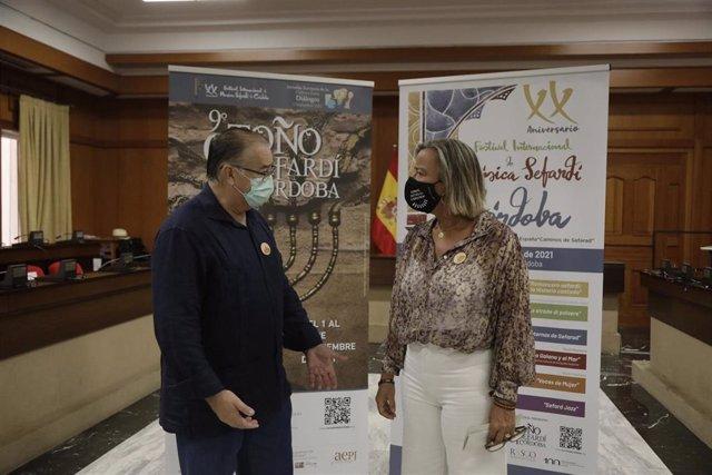 Isabel Albás y Rafael Pérez de la Concha presentan la programación del la 9ª edición del Otoño Sefardí.