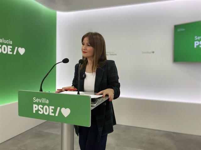Archivo - La secretaria general del PSOE de Sevilla, Verónica Pérez, en una rueda de prensa