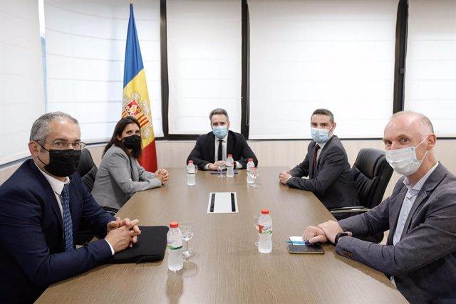 Reunió del ministre de Finances d'Andorra, Eric Jover, i del secretari d'Estat d'Assumptes Financers Internacionals, Marc Ballestà, amb el Banc de Desenvolupament del Consell Europeu (CEB).