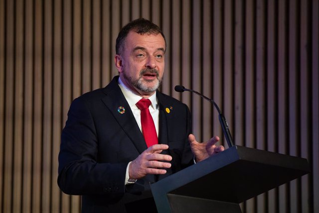Archivo - Arxivo - L'exconseller d'Acció Exterior, Relacions Institucionals i Transparència de la Generalitat, Alfred Bosch, a Barcelona (Espanya), a 21 de febrer de 2020.