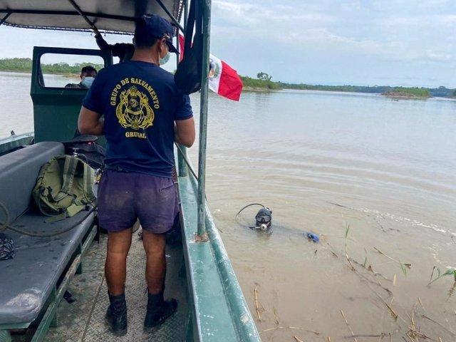 La Marina de Guerra en la búsqueda de desaparecidos en el accidente de las embarcaciones