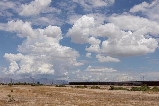 Archivo - Frontera entre México y Estados Unidos en Ciudad Juarez