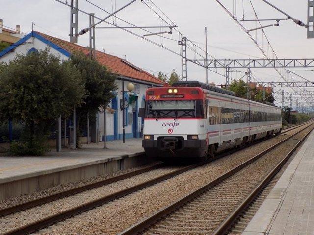 Archivo - Imagen de archivo de un Cercanías de Renfe.