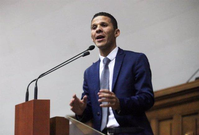 Archivo - El diputado de la oposición venezolana Gilber Caro