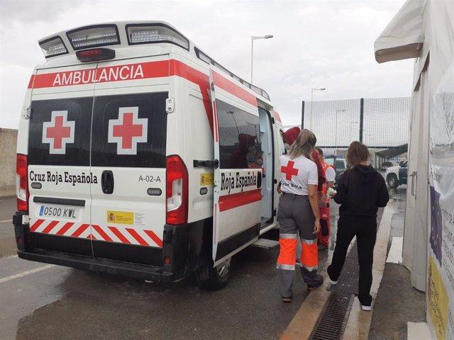 Asistencia de Cruz Roja a los migrantes llegados a l'Albir