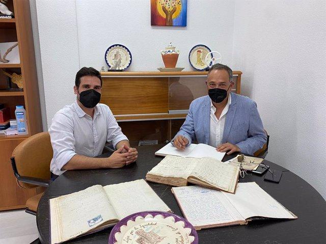 El delegado de Turismo se reúne con el alcalde de Líjar (Almería).