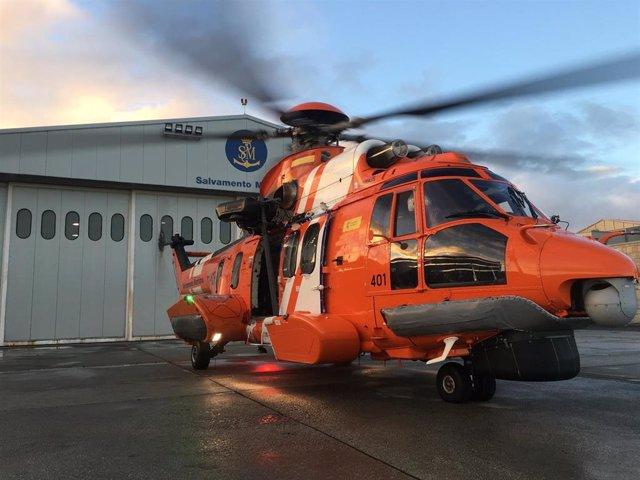 Archivo - Un helicóptero de Salvamento Marítimo.
