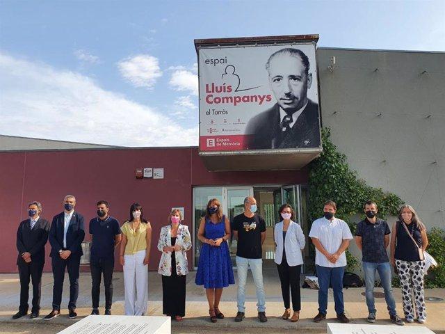 Els membres de la Mesa del Parlament i representants de l'Ajuntament de Tornabous (Lleida) a l'Espai Lluís Companys